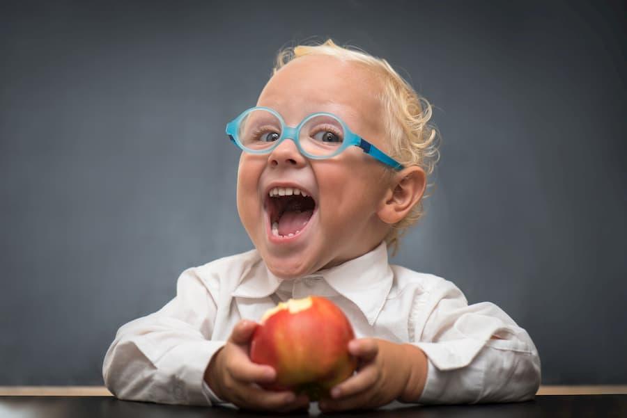 Der Barmenia Brillenversicherung Test im Tarif Mehr Sehen! Was kann der Tarif für Träger einer Brille was eine andere Zusatz-Versicherung nicht kann? Warum führt in 2020 kein Weg an dem Mehr Sehen der Barmenia Billenversicherung vorbei? Was kostet der Tarif trotz Leistung von bis zu 300 Euro ohne Wartezeit für Brillen und Kontaktlinsen? Sogar die Mittel zur Pflege einer Sehhilfe ist in der Barmenia Brillenversicherung mit dabei. Das ganze gibt es für knappe 12 Euro monatlich bei einer mind. Laufzeit von nur 12 Monaten. Der Barmenia Brillenversicherung Test klärt auf: So gut wie Mehr Sehen ist keine Brillenversicherung Vergleich hin oder her, das Fazit fällt nicht schwer!